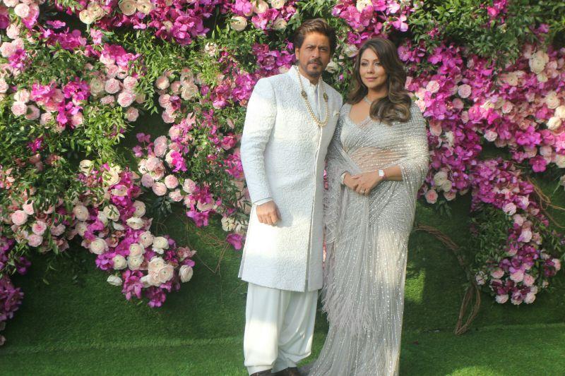 Shah Rukh Khan with wife Gauri Khan. (Photo Courtesy: Mrugesh Bandiwadekar)