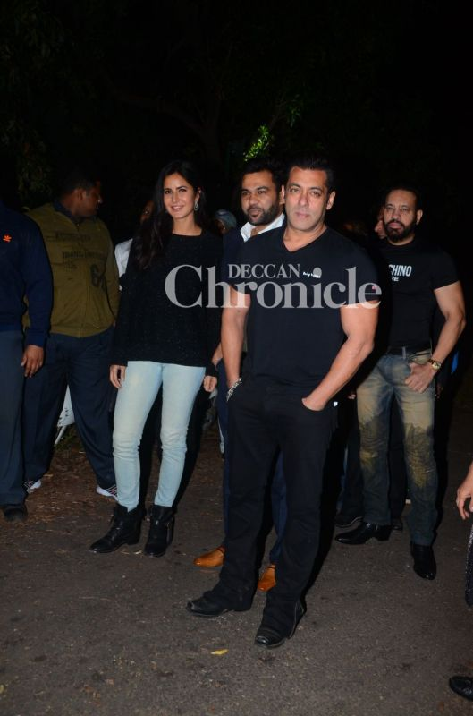 Salman turns 52 in style with Katrina, Dhoni, others by his side
