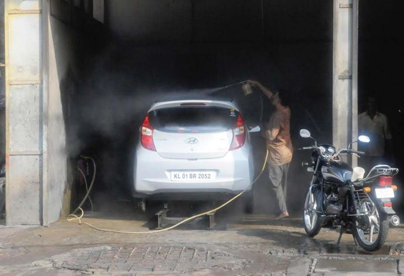 A car washing centre in Thiruvananthapuram. (Photo: DC)