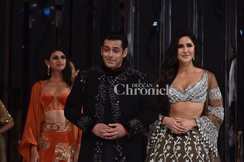 Salman, Katrina look beautiful as Manish's showstoppers, make us excited for Bharat