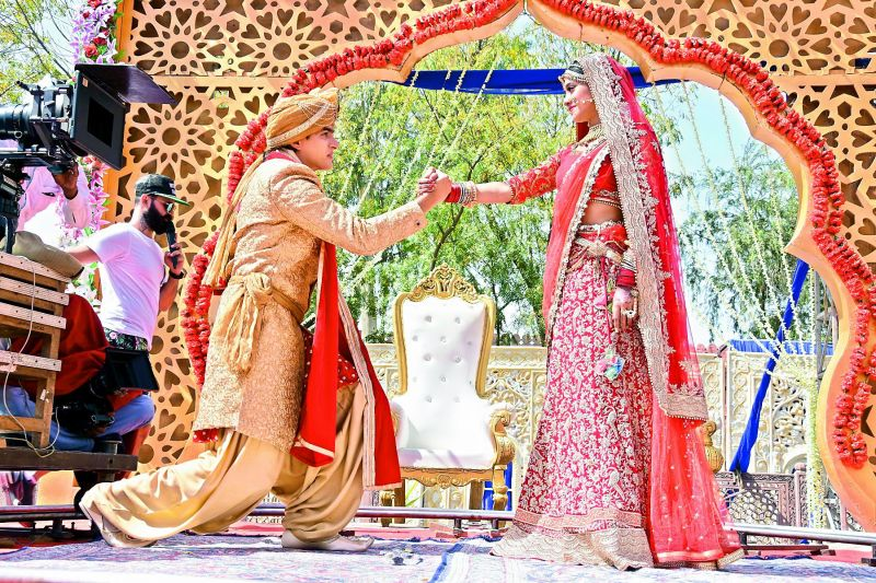 Mohsin is practicing hard to get down on one knee and impress the bride. Incidentally, this reel romance has turned into real romance for the couple. A few days ago, the actor revealed that he and Shivangi are dating.