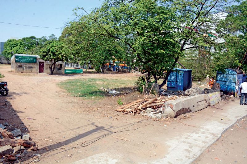This dead pond near Padi flyover is most likely to get restored by Chennai Corporation, following Shanmugam's petition to Chennai district collector. (Photo: DC)