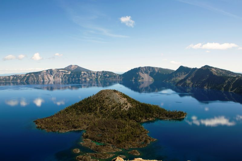 Cascade Mountains, Crater Lake (Photo: Brand USA)