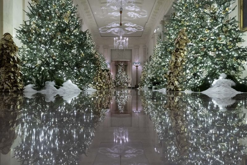 The Cross Hall leading into the State Dinning Room is decorated during the 2019 Christmas preview at the White House in Washington. (Photo: AP)