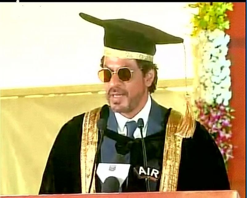 Shah Rukh conferred with honorary doctorate by Maulana Azad National Urdu University