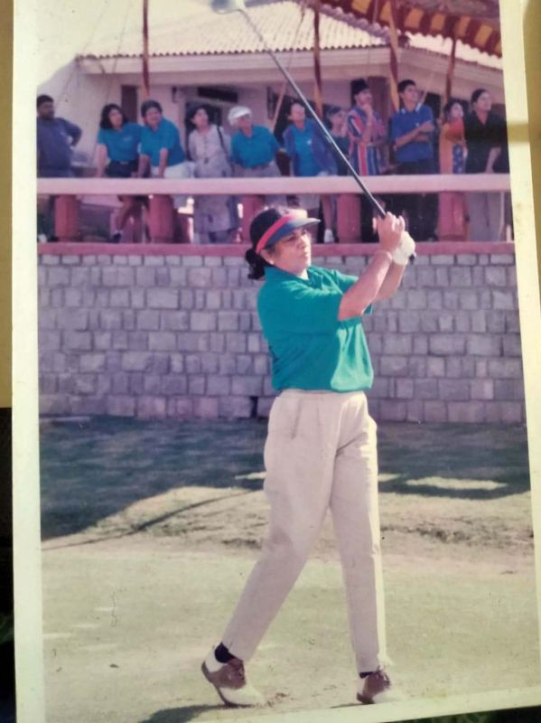 Young Jayashree Bharath  playing golf