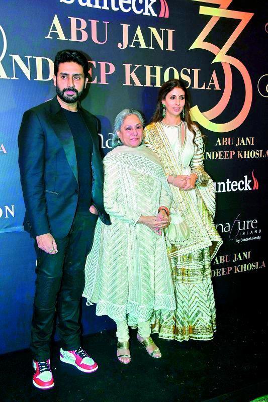 Abhishek Bachchan, Jaya Bachchan and Shweta Bachchan at Abu Jani and Sandeep Khosla's fashion gala to mark 33 years of their couture.