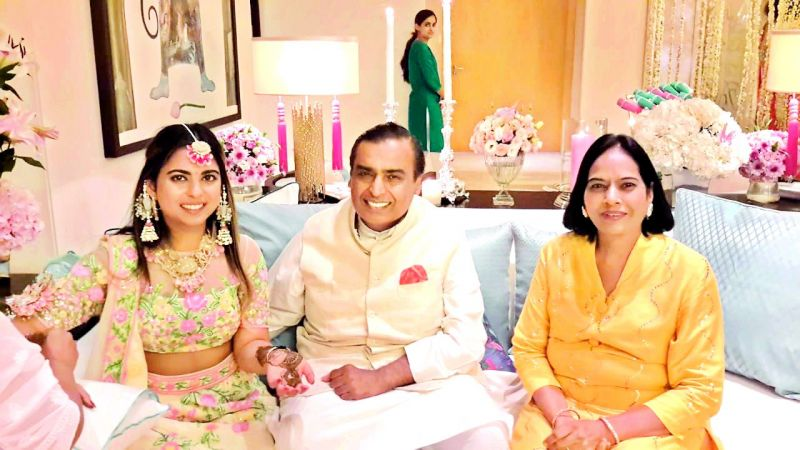 Isha and Mukesh Ambani with Usha Shah