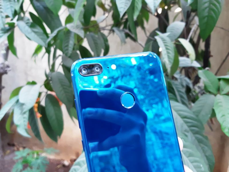 Redmi Note 5 vs Honor 9 Lite: Noteworthy features, light on