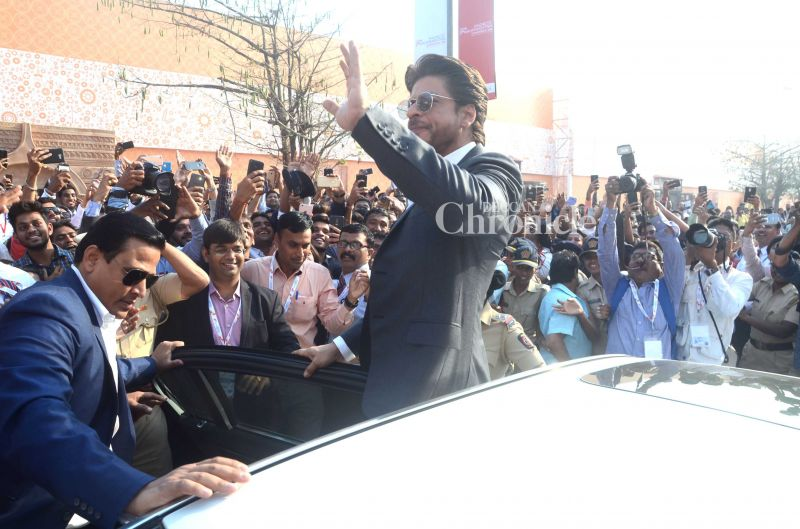 0c87c0814eb Shah Rukh Khan was the star attraction at the 'Magnetic Maharashtra', a  government
