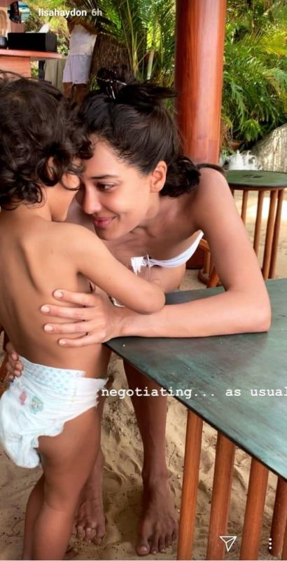 Lisa Haydon with son Zack. (Photo: Lisa Haydon's Instagram story)