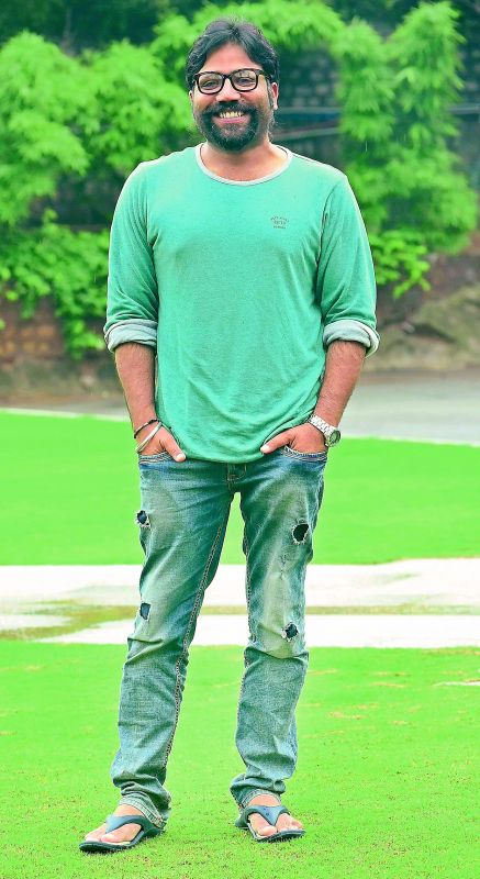 I've come to know that the remake rights of Arjun Reddy have been sold and it would star Arjun Kapoor. I am caught in a dilemma, as I've already locked Shahid for the role (Sandeep Vanga)