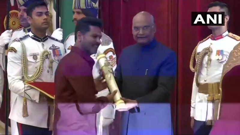 President Ram Nath Kovind confers Padma Shri award upon director and actor Prabhu Deva for the field of Art - Dance (Photo: ANI | Twitter)