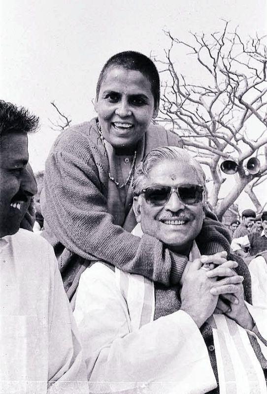 Uma Bharti with Murli Manohar Joshi after the demolition of the Babri Masjid.