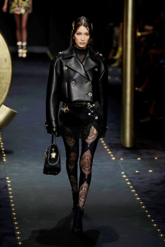 Model Bella Hadid wears the grunge look to perfection as part of the Versace women's Fall/Winter 2019 collection. (Photo: AP)