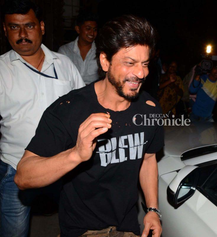 Snapped: Shah Rukh Khan hangs out with his 'Dear Zindagi' director Gauri Shinde