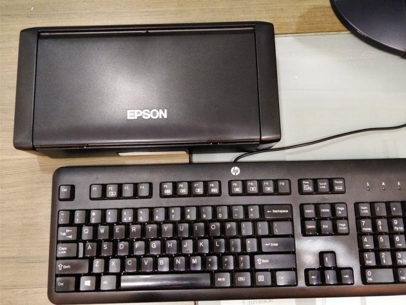 Epson WF-!00
