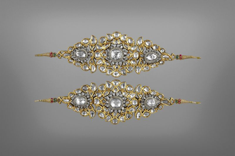 Bazuband  (armbands) made of gold, silver, diamonds and enamle. Deccan, 19th century.