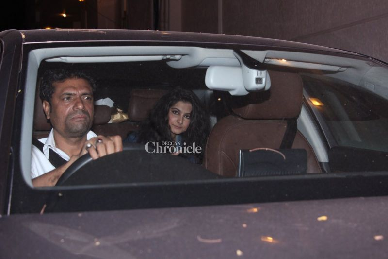 Snapped: Malaika, Amrita, Rhea come out to party with Kareena
