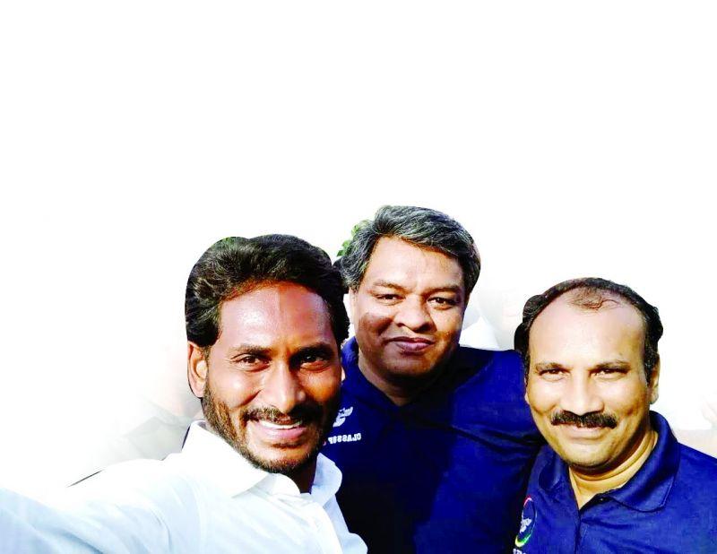 Jagan with Vara Prasad (centre)
