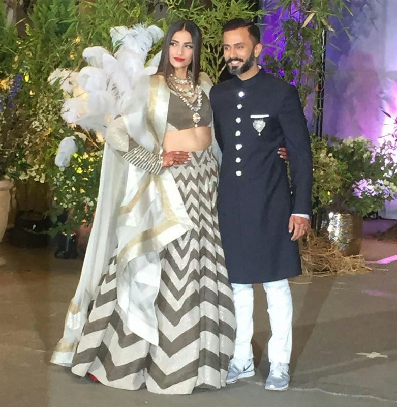 Sonam Kapoor and Anand Ahuja at the wedding reception. (Photo: Twitter)