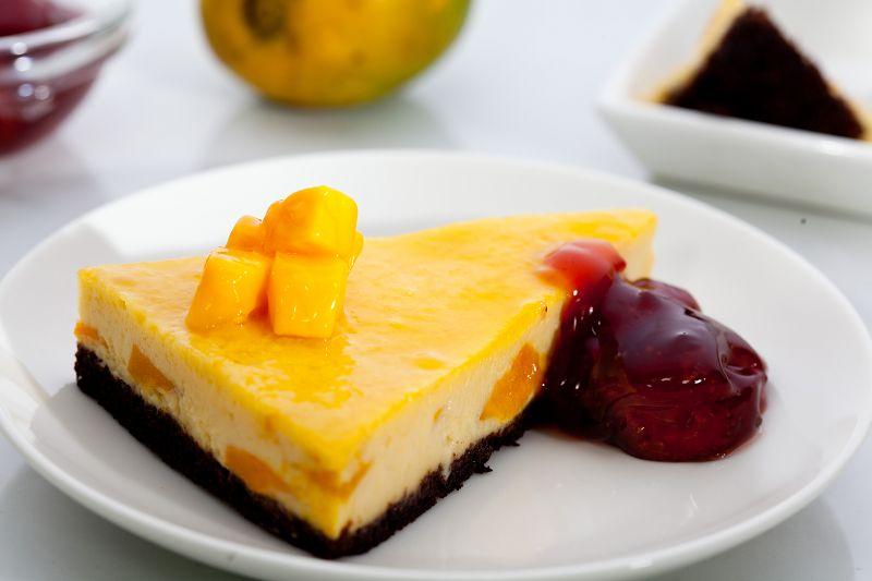 Mango Brownie and Cheesecake