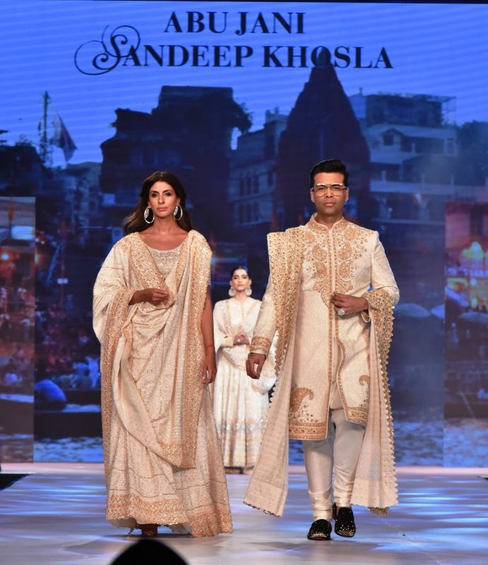 Shweta Bachchan Nanda and Karan Johar at the 14th Annual 'Caring with Style'. (Photo: File)