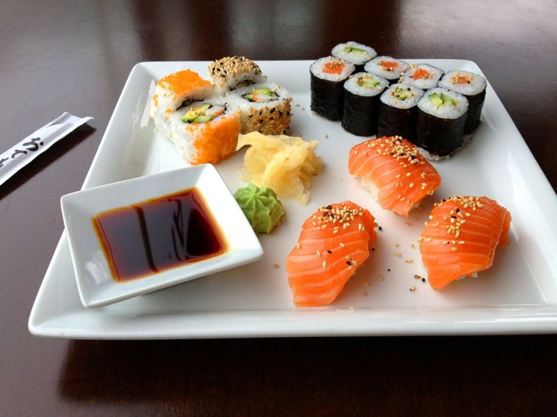A trip to Japan is incomplete without the sushi dining experience. (Photo: Pixabay)