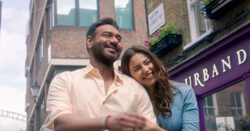 Ajay Devgn and Rakul Preet Singh in the still from the film. (Image Source: YouTube)