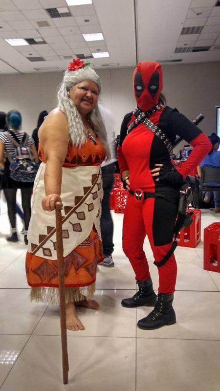 Solange Nascimento Amorim as Gramma Tala from Moana along with fellow Cosplay enthusiast dressed as Deadpool (Photo: Facebook)