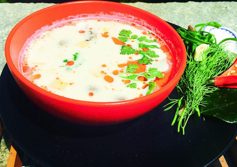 Tom kha phak - Thai coconut soup