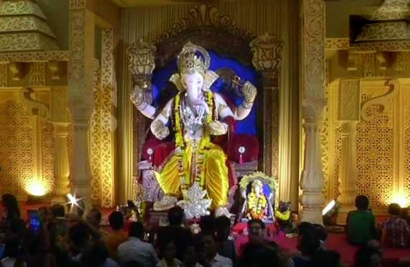 Dalia Sheri, the diamond hub of Surat, attracts thousands of people every year with its exquisite diamond and gold jewellery studded Ganesha idol. (Photo: ANI)