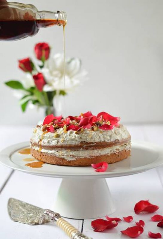 Maple And Cardamom Cake