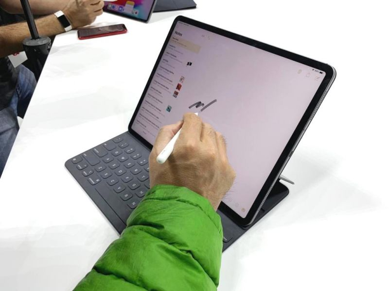The new Apple Pencil now magnetically straps on to the side of the iPad and can charge wirelessly. It has a touch button for providing shortcuts in various iPad apps. Also, users can tap on the iPad Pro to open the Notes app without hunting for it.