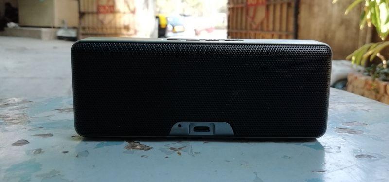 X-mini Xoundbar speaker