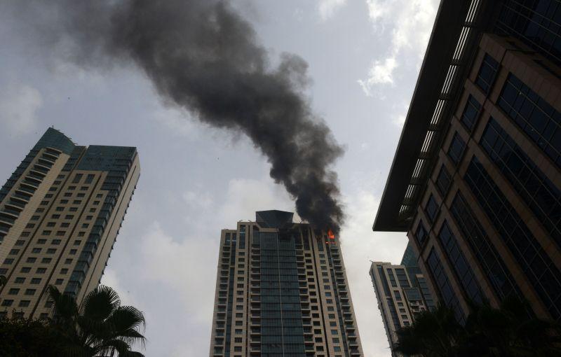 Fire at south Mumbai high-rise Beaumonde Towers. (Photo: Rajesh Jadhav)