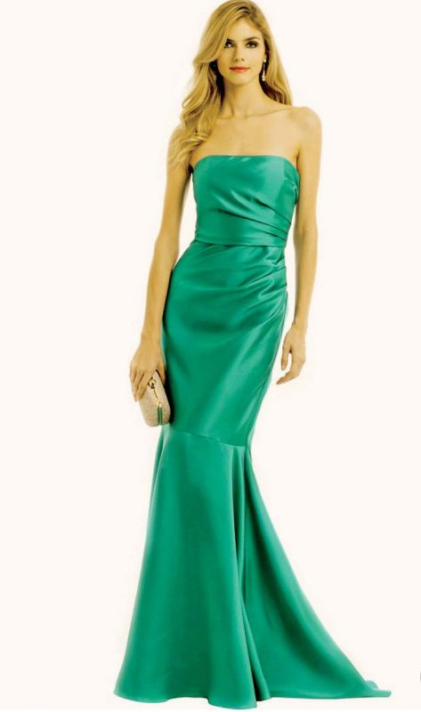 Perfect for award functions, this green gown can simply be paired with a clutch.