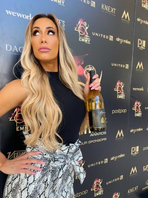 WWE's Carmella sports fresh look with new hairstyle