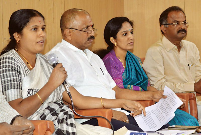 Mayor Gangambike addresses a press conference about the food quality at Indira Canteens. (Photo: DC)