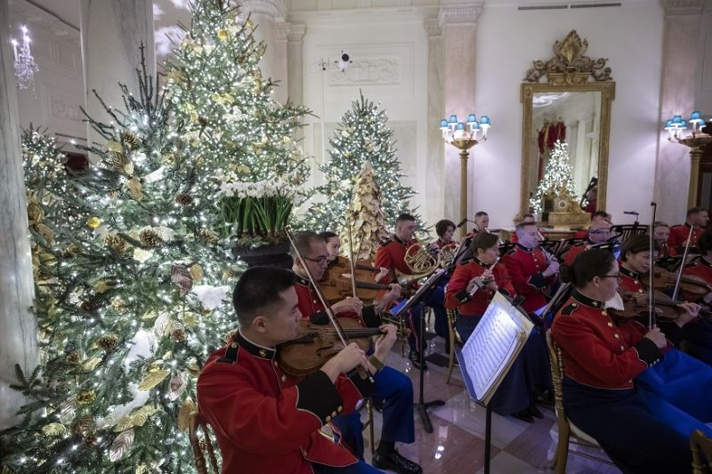 Marine Corps Band plays in the Grand Foyer during the 2019 Christmas preview at the White House in Washington. (Photo: AP)