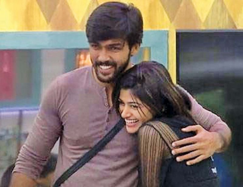 Arav-Oviya dealt with the similar kind of mental stress in the first season and Arav had to really work hard to win the title.