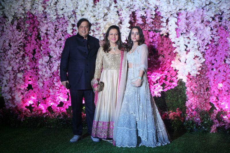 David Dhawan with wife Karuna Dhawan and Varun Dhawan's girlfriend Natasha Dalal. (Photo Courtesy: Mrugesh Bandiwadekar)