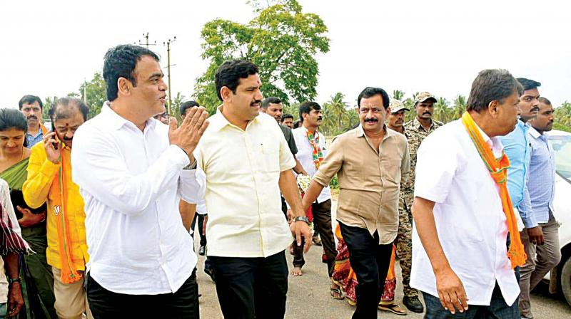 Dy CM  C. Ashwathnarayana campaigns for BJP candidate in KR Pete constituency in Mandya district on Thursday