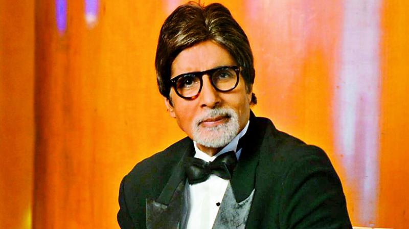 Amitabh Bachchan to give this much share of his property to Abhishek and Shweta; read