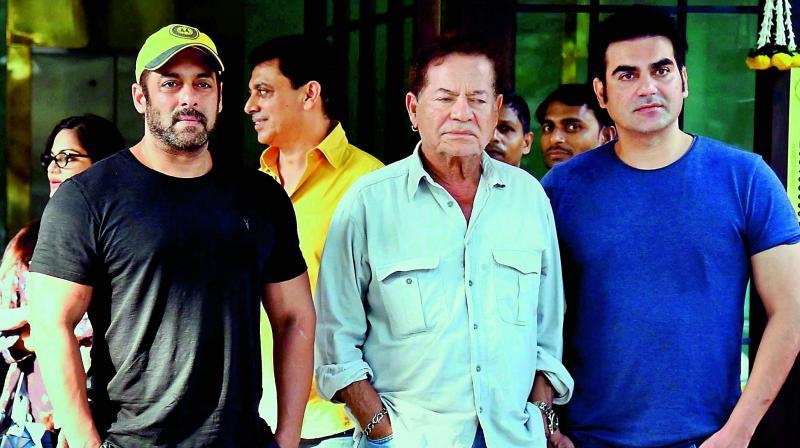 Salman Khan with his father Salim Khan and brother Arbaaz Khan