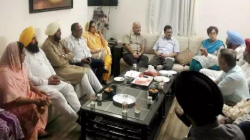 Amid Punjab meet, Kejriwal keeps focus on Delhi polls