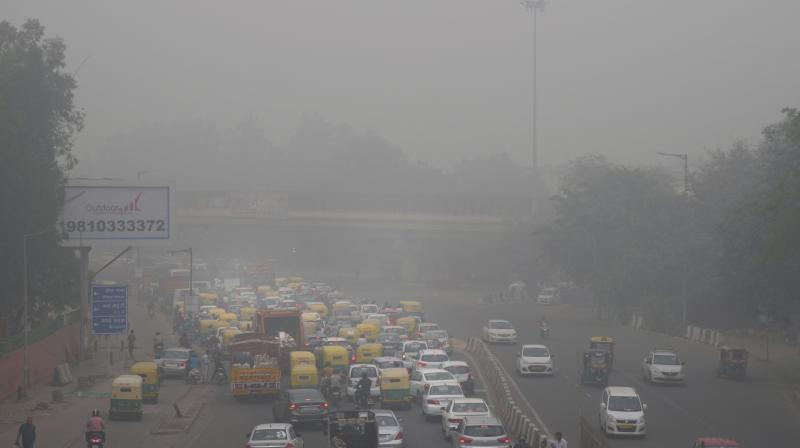 The overall air quality in Delhi continued to remain in 'very poor' category for the second consecutive day on Sunday, according to System of Air Quality and Weather Forecasting And Research (SAFAR). (Photo: File)