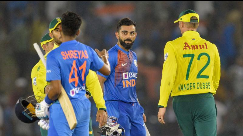 India skipper Virat Kohli's unbeaten knock of 72 runs helped his team defeat South Africa by seven wickets in the second T20I at PCA Stadium here on Wednesday. (Photo:AFP)