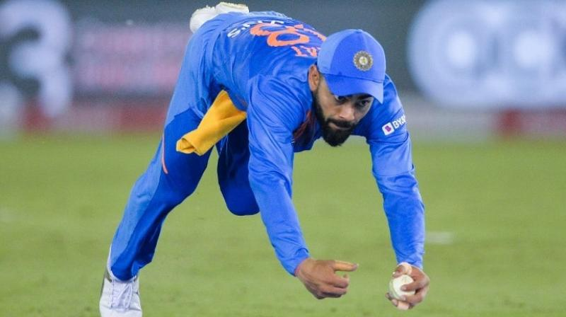During India's second T20I match against South Africa, Virat Kohli displayed some stunning athleticism to take a one-handed catch to dismiss South African skipper Quinton De Kock, who was scored a vital 50 to take his side to post a decent total of 150 in the first innings. (Photo:AFP)