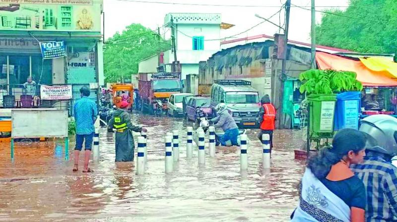 competitive price 25c54 2591d Rains to lash Hyderabad for three days